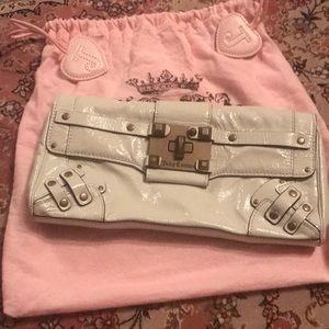 Vintage Faux White Leather Juicy Couture Clutch 💕